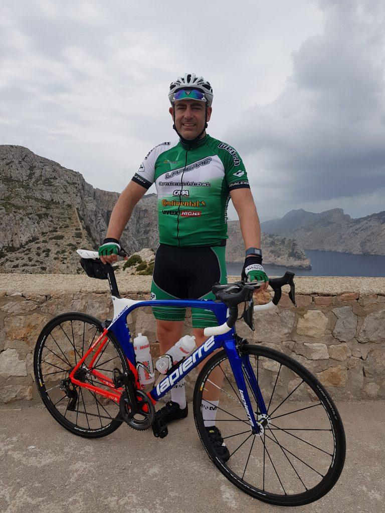 Simon's cycling challenge